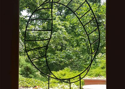 Perceptual Motion, a contemporary art sculpture, in situ - Kevin Caron